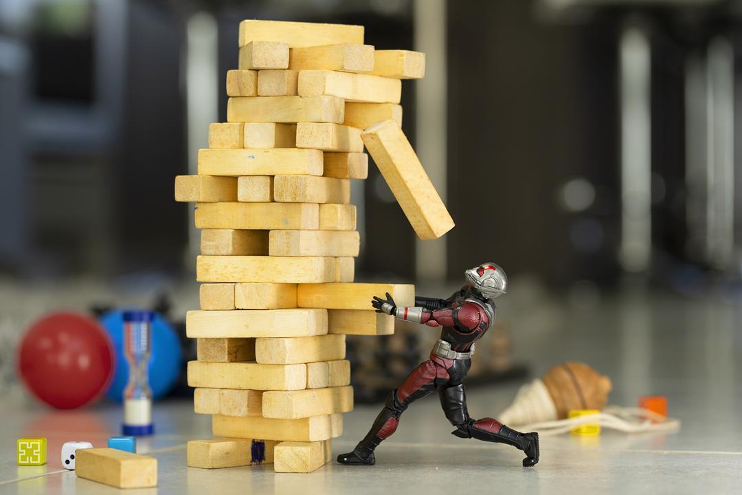 https://pixabay.com/photos/toys-play-plastic-funny-ant-man-4982760/