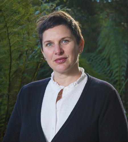 Dr Catherine Robinson