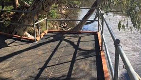 Lions Park fishing platform