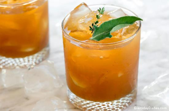 Sparkling Whiskey Cocktail with Apple Butter