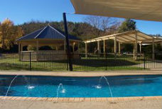 BIG4 Porepunkah Holiday Park swimming pool