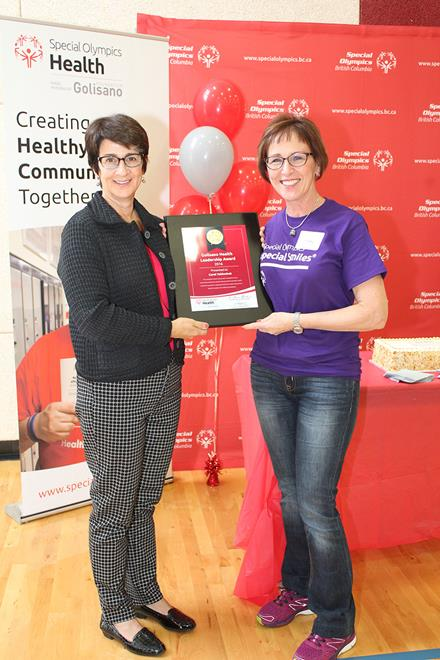 Carol Yakiwchuk wins a Golisano Health Leadership Award