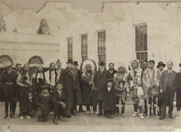 Image of The Peabody Museum version of the Ponca photograph