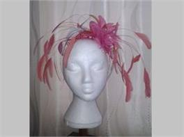 Bespoke fascinator from Un Capello