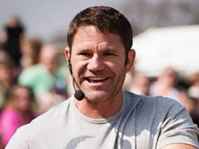 Steve Backshall at a public event at Longleat. Image courtesy of Steve Backshall.