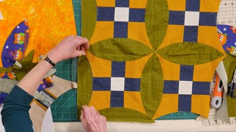 How to use the EZ Quilting Uneven Nine-patch tool with Jennie Rayment