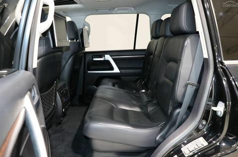 MY 2016 Toyota Land Cruiser - Back Seats