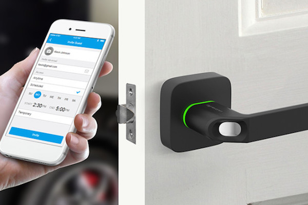 CROWDFUNDED SMART LOCK LETS YOU USE YOUR FINGERPRINT OR SMARTPHONE AS A KEY