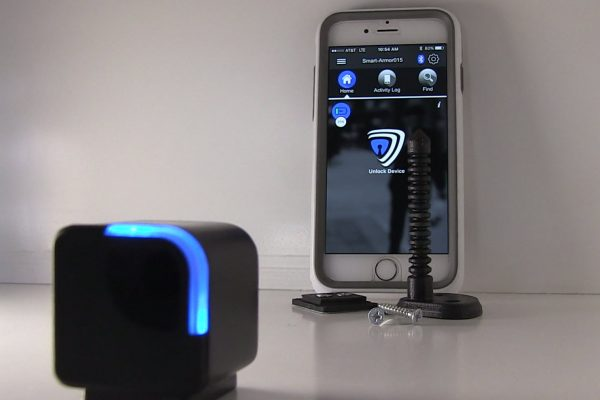 """THIS """"ATTACH-TO-ANYTHING"""" BLUETOOTH LOCK MAY KEEP YOUR KIDS OUT OF THE LIQUOR CABINET"""